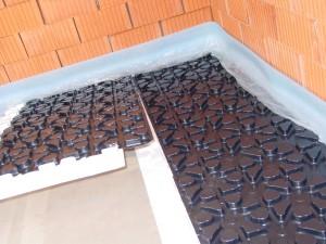 Fußbodenheizung im Noppenplattensystem