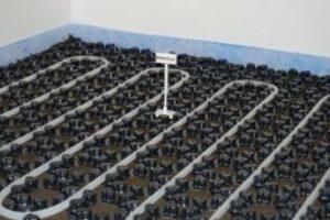 Minimale Aufbauhöhen bei der Fußbodenheizung realisieren